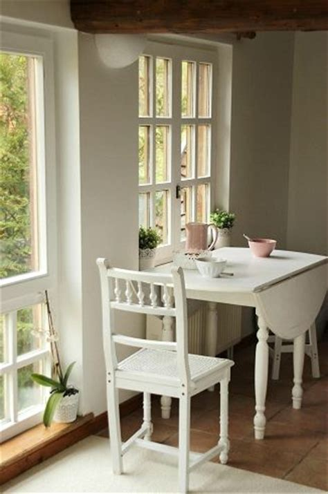 small kitchen with table 25 best ideas about small kitchen tables on