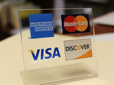 how to make purchases with a debit card 5 times paying with credit is better for your wallet
