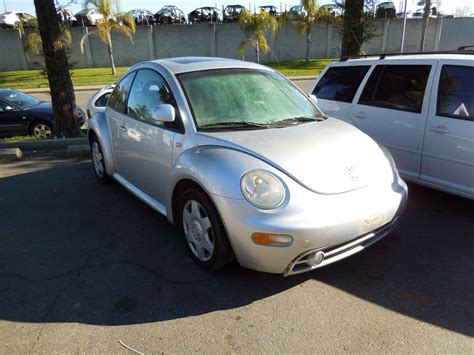 2000 Volkswagen Beetle Parts by 2000 Volkswagen Beetle Bad Transmission For Parts Silver 1