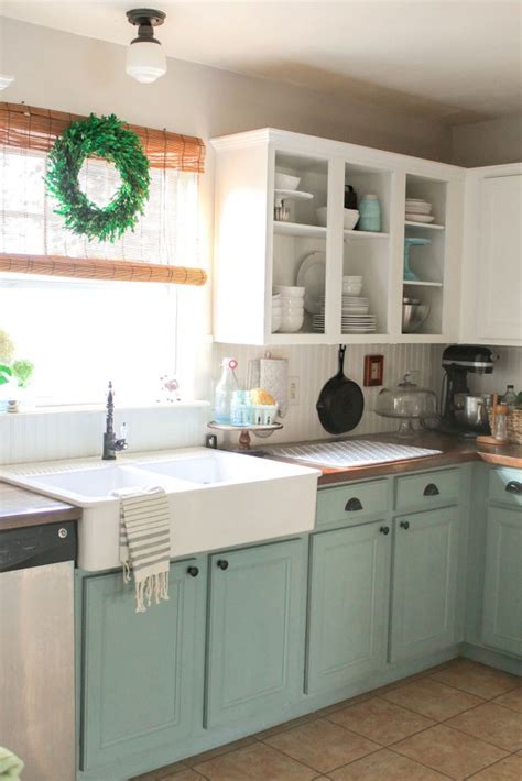 chalk paint on kitchen cabinets 25 best ideas about two tone kitchen on two