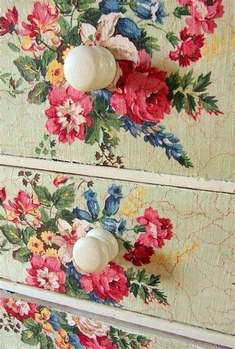 vintage decoupage ideas des fleurs dans le d 233 cor de la ruelle au salon
