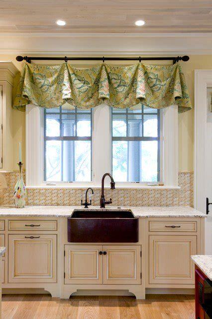 30 impressive kitchen window treatment ideas