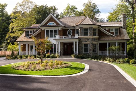 craftsman style home what defines a luxury craftsman style home