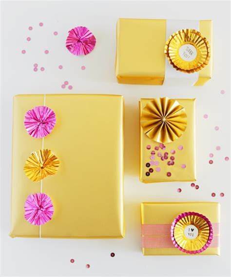 decorating gifts seven original gift wrapping ideas mocha