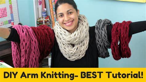 arm knitting for beginners diy arm knitting infinity scarf cowl best tutorial doovi