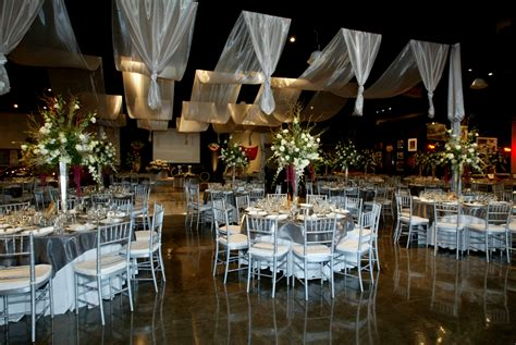 nyc decorations wedding decorations nyc find this pin and more on nyc