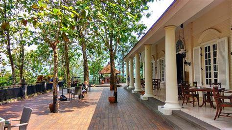 patio restaurant plataran lubch at patio picture of patio restaurant by plataran