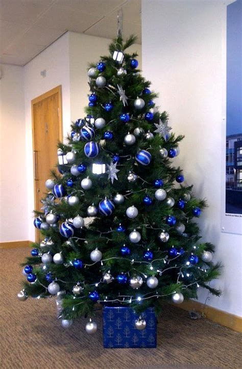 blue and silver tree decorations ideas tree decorations in blue and silver