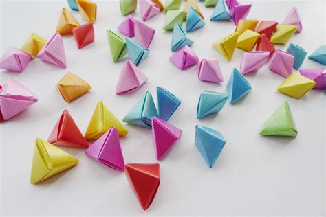 how to make origami 3d shapes 3d origami triangles 3d puzzle image