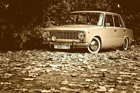 Car Wallpaper Black And White by Black And White Wallpaper Vintage Car