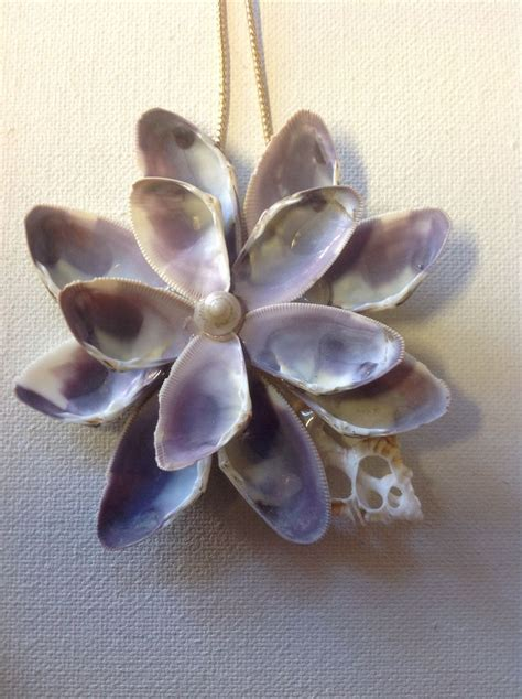 seashell crafts 25 best ideas about seashell crafts on