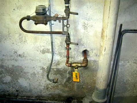 repair leaking basement basement water leak repair