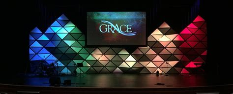 stage design for 3d pyramids church stage design ideas