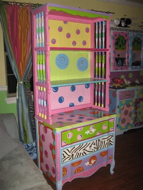 53 painted furniture 25 best ideas about funky