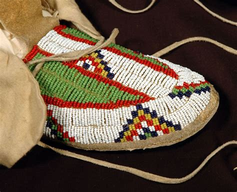 moccasin beading designs american beaded moccasin lakota tribe this bead