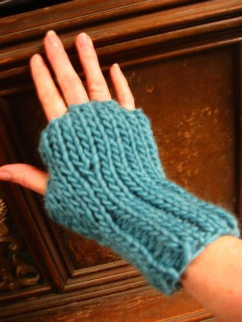 loom knit mittens 1000 images about loom knit wristlets mittens on