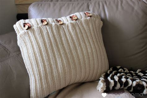 how to knit a pillow cozy diy knitted pillows keep away winter blues