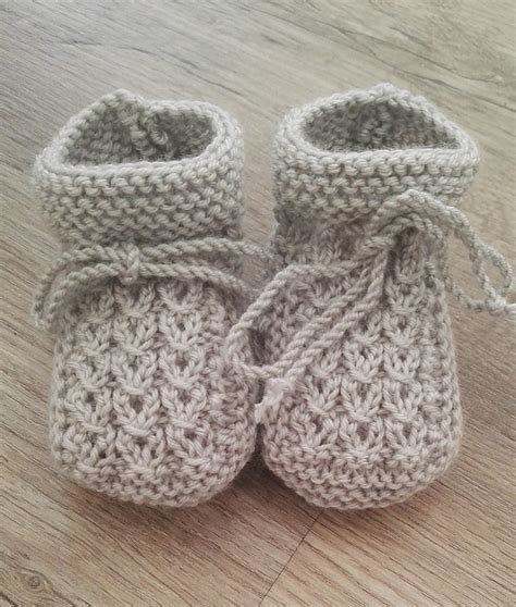 knit baby easy to knit baby bootie patterns