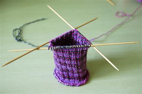 beginner knitting needles beginner s guide to knitting needles image 3