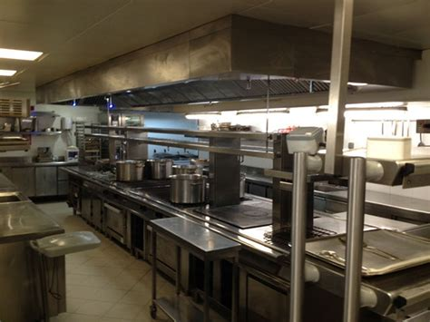 installation hotte cuisine professionnelle