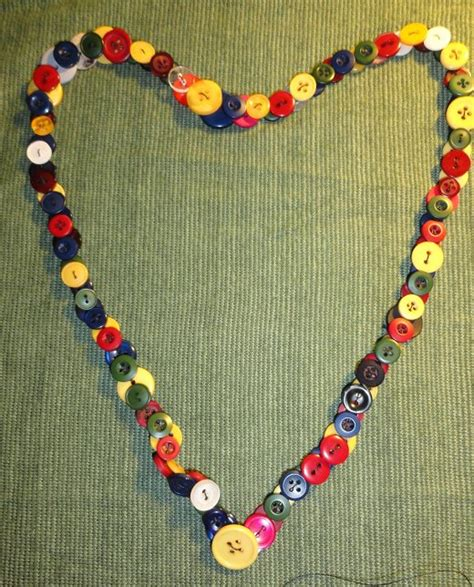 how to make jewelry with buttons how to make a button necklace 22 tutorials guide patterns
