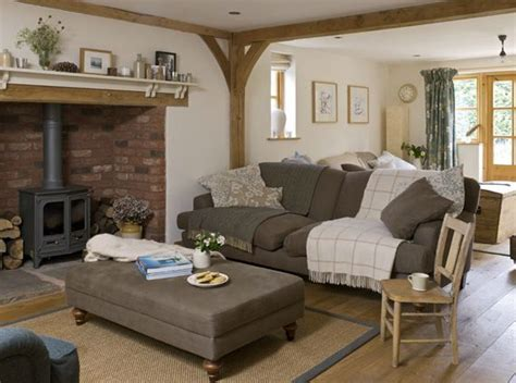 modern cottage makeover family room best 25 cottage living rooms ideas on country