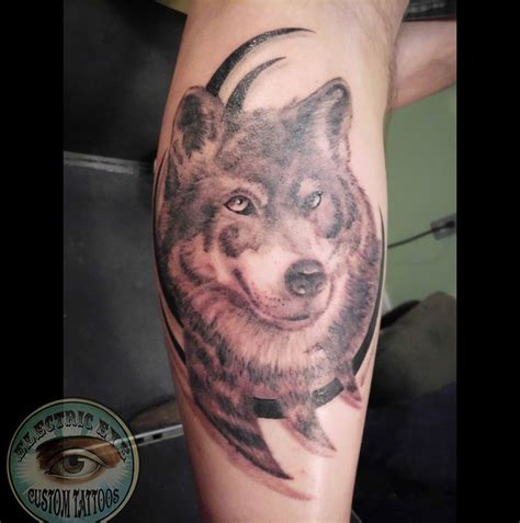 monicamoses realistic wolf worked into tribal realistic