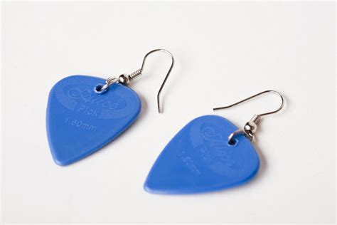 how to make guitar jewelry how to make guitar earrings 4 steps with pictures