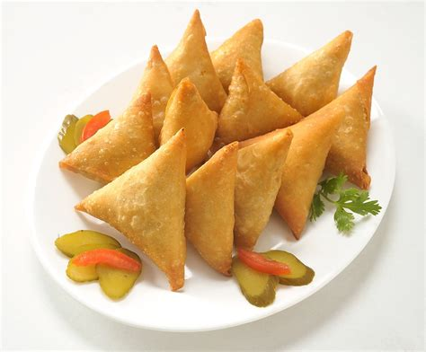 Hot Samosas for all on a cold Rainy morning   Eazyhire