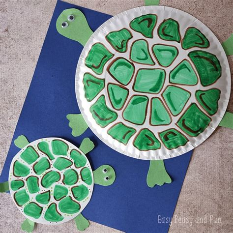 crafts out of paper plates paper plate turtle craft easy peasy and