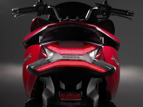 Pcx 2018 New by Honda Pcx 125 2018 As 205 Es La Nueva Pcx Motoradn