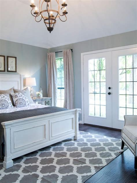 white and grey bedroom furniture 17 best ideas about white grey bedrooms on