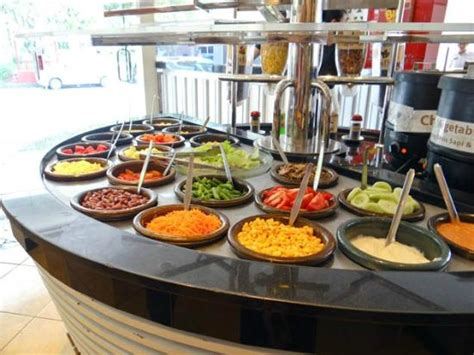 salad pizza hut salad bar picture of pizza hut solo tripadvisor