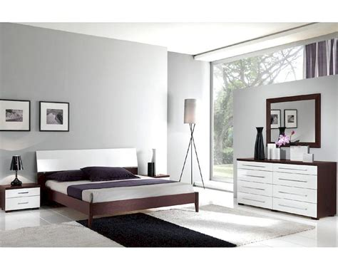 modern italian bedroom furniture italian modern two tone bedroom set 33b221