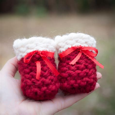 loom knit baby booties loom knit baby bootie pattern knit baby shoes beginner
