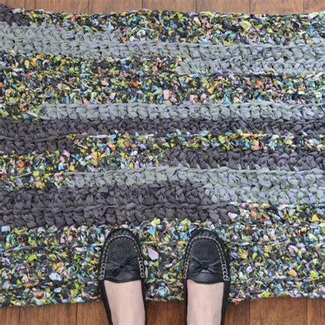 how to crochet a rag rug easy crochet rag rug favecrafts