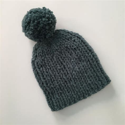bobble hat pattern knitting and easy bulky weight bobble hat knitting pattern by
