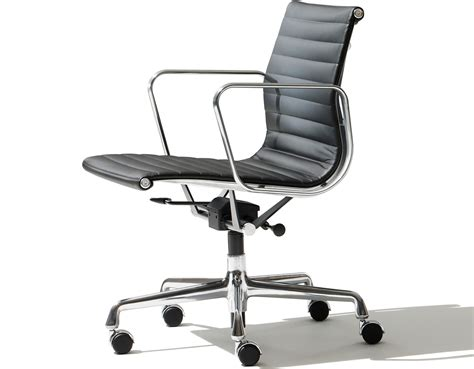 Eames Aluminum Lounge Chair by Eames 174 Aluminum Management Chair Hivemodern