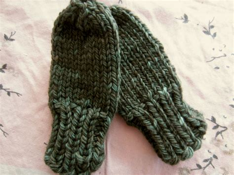 knitting a thumb chunky baby mittens with no thumb free knitting pattern
