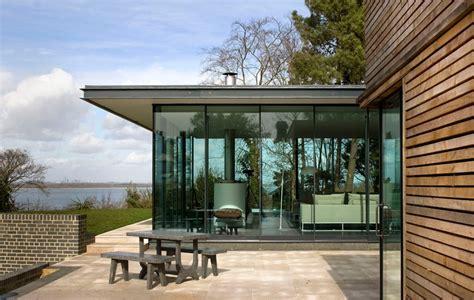 isle houses sea glass house on the isle of wight e architect
