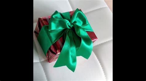 how to wrap a gift easy by without