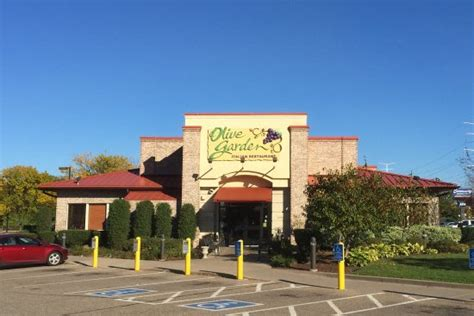 olive garden roseville we did a sle of wine before that that is always picture of olive garden 1245