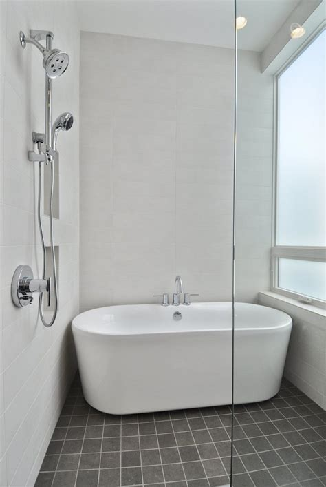 bathtub designs bathroom entranching small bathroom with bathtub and