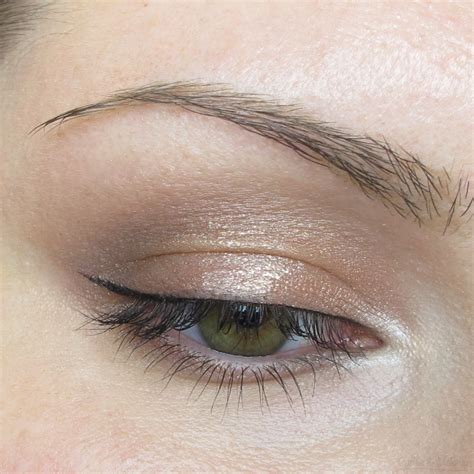 using eye shadow eotd gold eyeshadow look coffee makeup