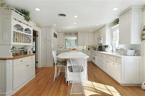 how to color kitchen cabinets how to the best color for kitchen cabinets home and