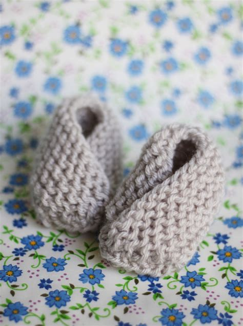 baby bootie knitting patterns easy baby booties free knitting pattern