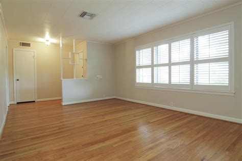 paint colors with light wood floors light wood floor living room kyprisnews