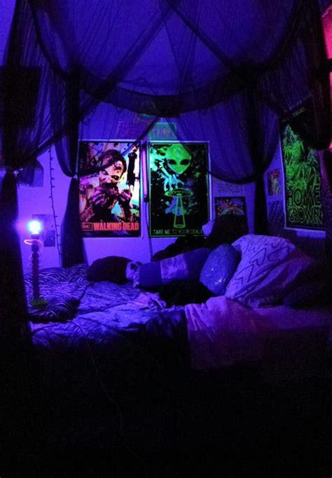 black light bedrooms 25 best chill room ideas on