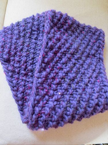 knitting a scarf with circular needles knit cowl using chunky yarn and size 17 circular