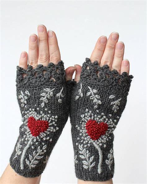 knitting accessories gifts de 198 b 228 sta vantar 2 mittens 2 bilderna p 229